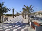 Los Arenalas promenade