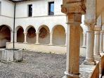 Walking around Navelli: the Medieval convent