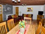 Beautiful spacious lounge/dining/kitchen in Barn cottage