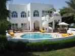 Huge lux villa w. private pool