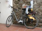bicicleta eléctrica a disposicion de los huéspedes