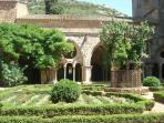 Abbaye de Fontfroide à 3 km
