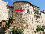 Apartment in Old Town Antibes, France bult in the 1600's close to the Fresh Produce market & Beach
