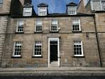 The apartment is in a traditional artisan's townhouse in central Edinburgh