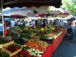 Les étals des marchés à Aix en Provence