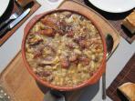 le célèbre Cassoulet, plat réputé et traditionnel dans la région de Carcassonne