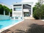Luxury Beach Villa - 15 min Barcelona