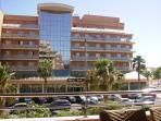 Vista del Hotel Don Angel (4 Estrellas), en la Avenida Juan Carlos I.