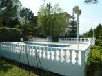 Terraced Gardens to Pool