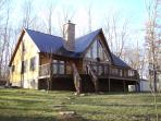 Private 3 bedroom, 3 bathroom mountain top cabin on 13 quiet acres near Chattanooga and Soddy Daisy