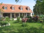 Les Aubepines Luxury accomodation,Private Pool and Hot Tub/Jacuzzi in the Loire
