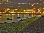 Vista notturna della spiaggia di San Gregorio