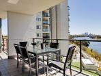Skyline  River Apartment