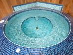 Jacuzzi - open all year