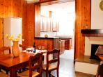 sala da pranzo che si affaccia sul cucinino