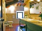 Podere Casarotta - 'I Baldacchini' bathroom