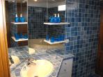 ensuite bath/shower/basin/laundry/wc
