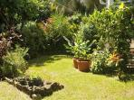 Giardinetto privato dell'appartamento Papay, al piano terra della villa