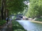 The Canal du Midi, the most popular pleasure waterway in Europe, is just 500m from Maison Juliette.