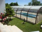 piscina cubierta o natural