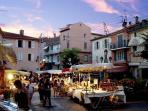 Les rues piétonnes... le soir (de Juin à Septembre)