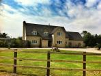 Meadowbank Farm, countryside farmhouse, Cotswolds