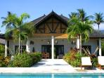 Bali villa Pandu-Luxury pool villa on the beach.