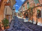 The old town of Rethymno is worth-visiting!
