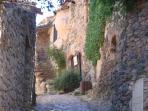 Rue de Castelnou