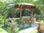 Sala Thai terrasse couverte groupe 16 personnes au jardin