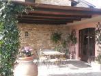 patio con tavolo ceramica 8 posti