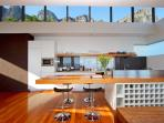Open plan kitchen/dining