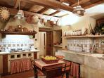 atmosfera toscana in cucina