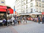 many cafes and restaurants rue Cler