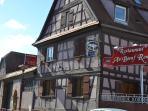 Un restaurant du village