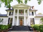 Glenmore Manor House:: Located 15 min east of town