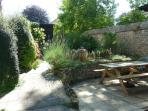 Private enclosed walled garden, pets welcome