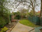 Ivy House, Garden