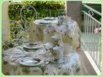 la terrazzina per le colazioni in estate