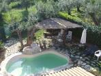 Private pool, where you can cool down in the Abruzzi sunshine