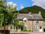 GLOUCESTER HOUSE, pet-friendly cottage with woodburner, close cycling and village pubs in Llangynog Ref 25418