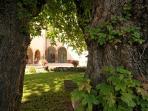 Garden and sitting area in Palazzo Morichelli