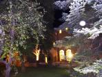 Garden at night time - Palazzo Morichelli d'Altemps