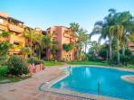 Private urbanization w/ community pool and garden