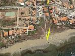 Spiaggia fronte casa 70 metri - Vista dall'alto  presa da G o o g l e Earth