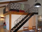 L'escalier en fer forgé , par un Ferronnier d'art, menant aux chambres