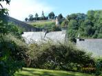 vue du jardin sur les remparts de Dinan