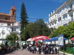 Village Square with Restaurants (3 minutes walk)
