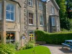Ideal location: Next door to Alnwick Gardens & Castle.  Opposite Barter Books & Wager Cottage.
