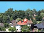 situation du logement à deux pas du lac d'Annecy, proche de la piste cyclable des GR